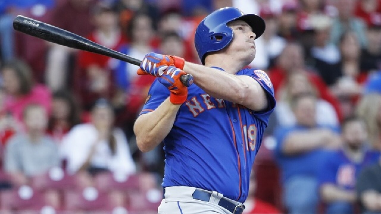 Bruce homers in his old ballpark, Mets overpower Reds 7-6