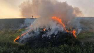 Emergency crews tackle wildfire on Gore Hill