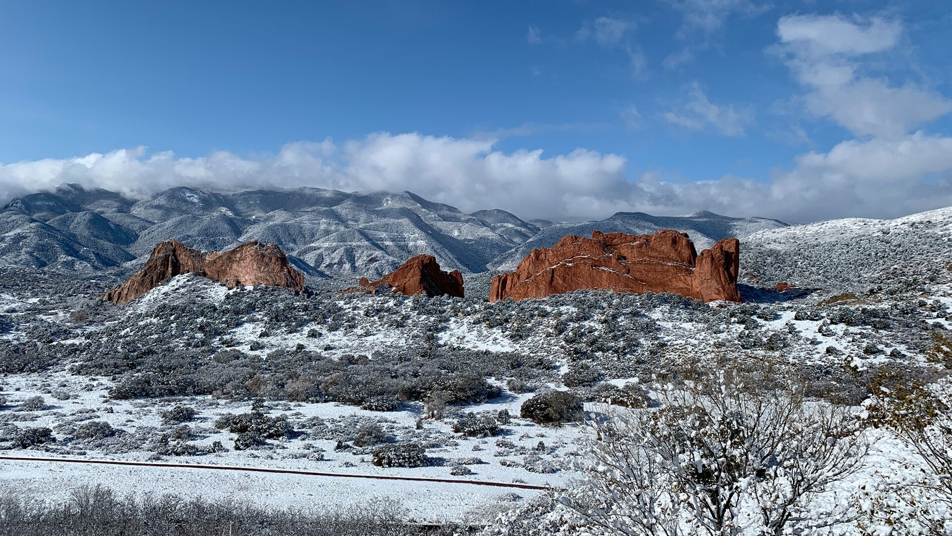 Garden of the Gods Overlook Snow Sam Schreier.jpg