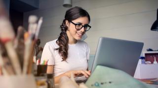 Woman-on-laptop-GENERIC-Pexels.png