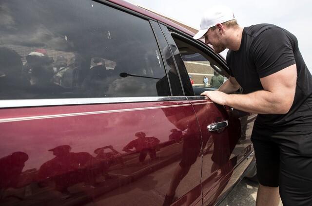 JJ Watt helps distribute Hurricane Harvey donations
