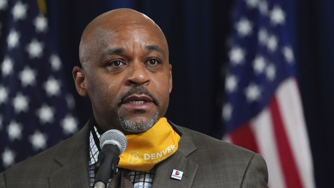 Denver mayor flies to Mississippi for Thanksgiving despite urging constituents to stay home