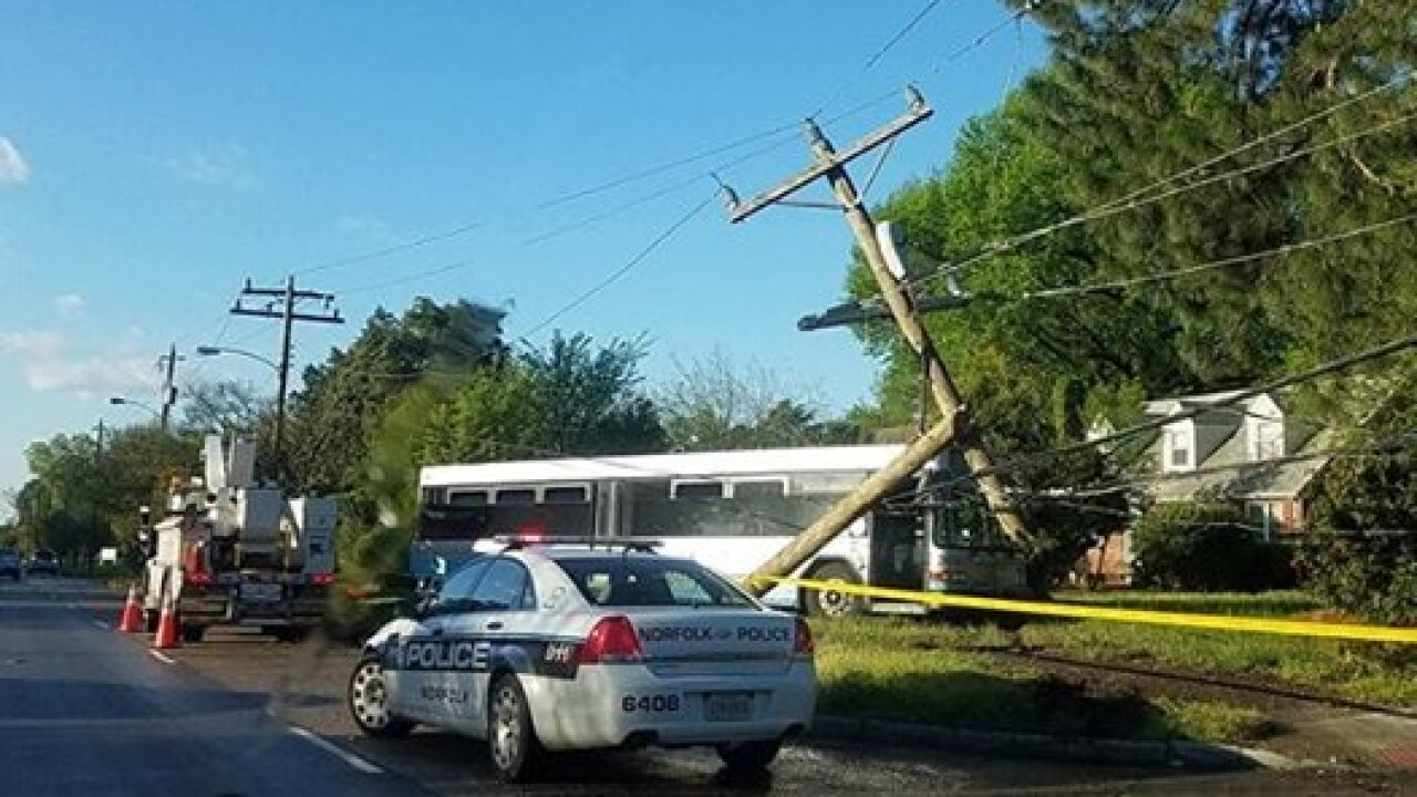 'Disoriented' bus driver leads to HRT bus crash, downed power lines