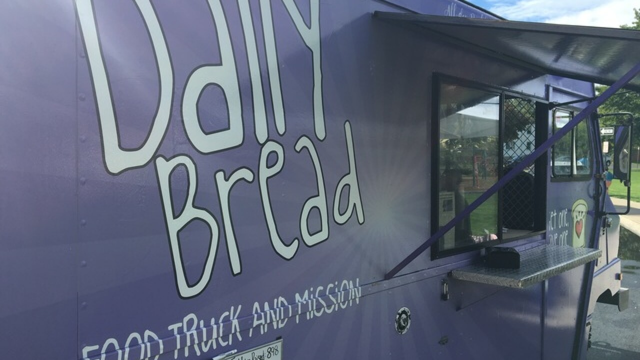 Local food truck gives meals to families in need