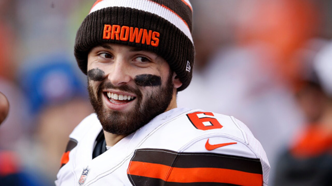 baker mayfield not interested in hugging former coach hue jackson