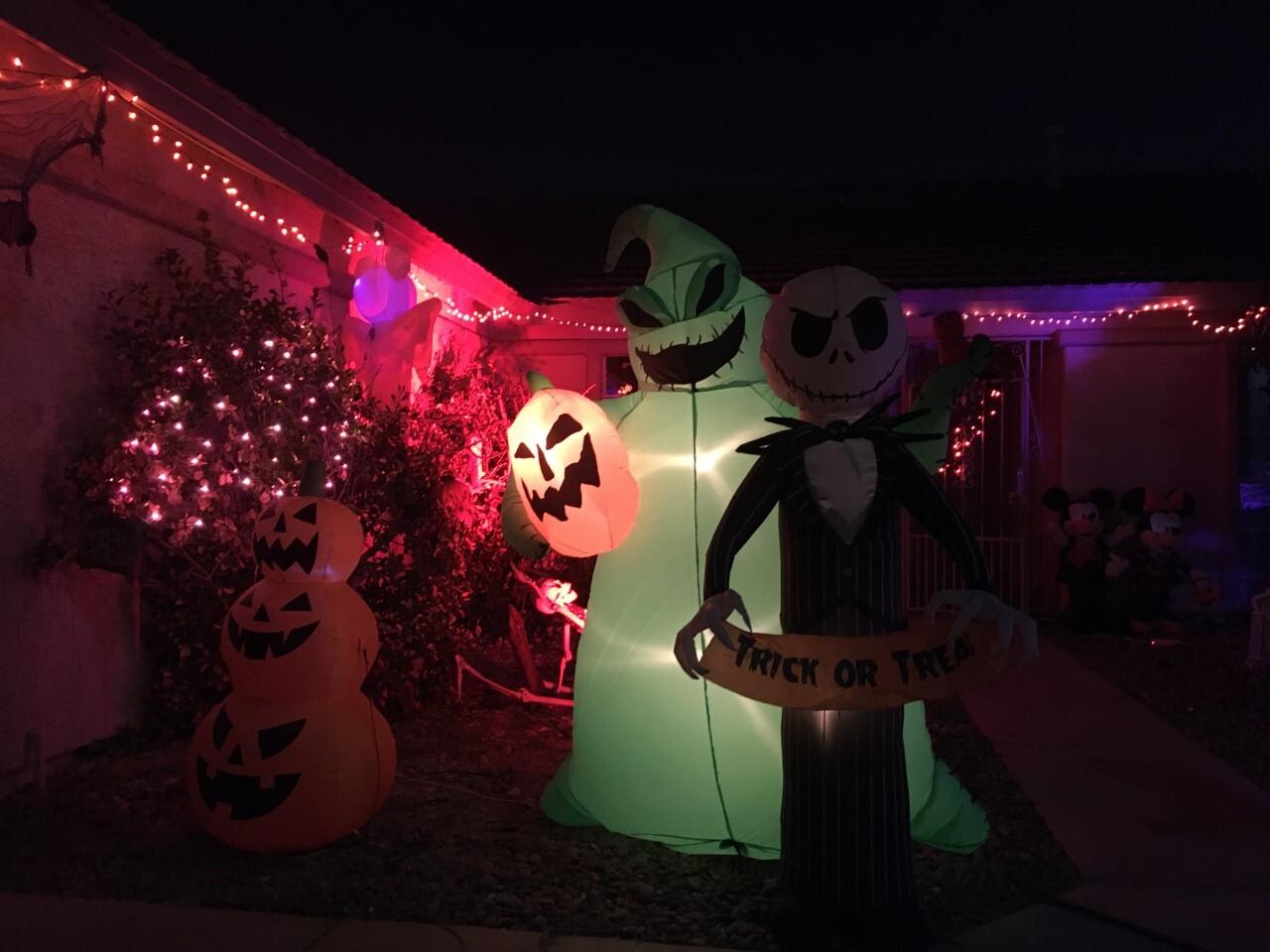 Jeter Tavares halloween houses 6.jpg