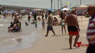 playas dia del trabajador 0904.jpg