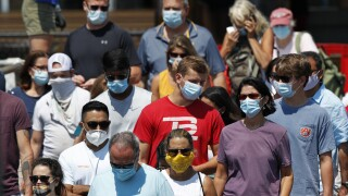 Virus Outbreak masks crowd