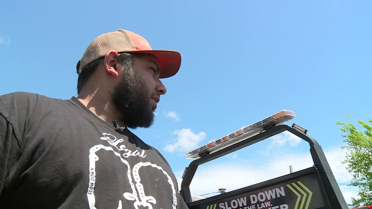 Tow truck driver reflects on close calls after colleague hit on I-95: 'Think about if it wasyou'