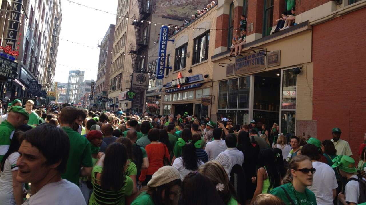 Cleveland_Ohio_St._Patrick's_Day_Downtown_2012.jpg