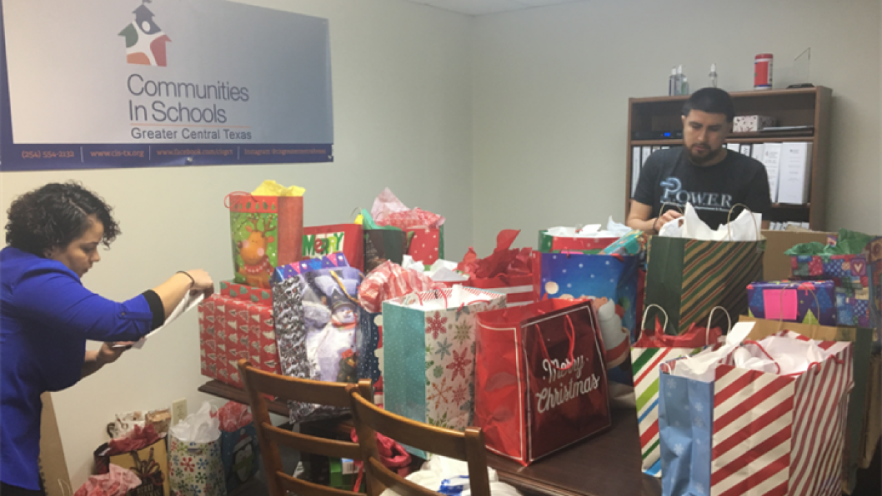 Killeen ISD alumnus donates thousands of dollars worth of gifts for students in need