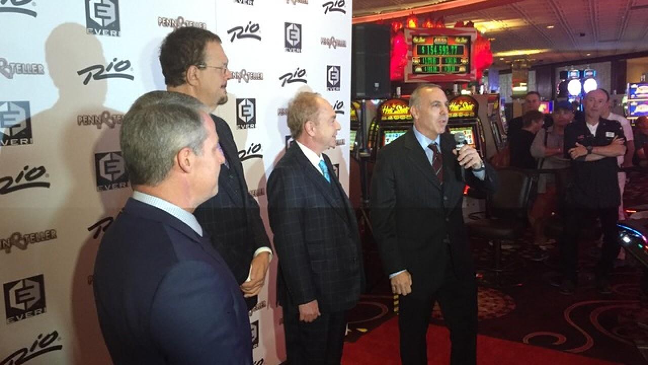 Penn wins big on his own slot machine