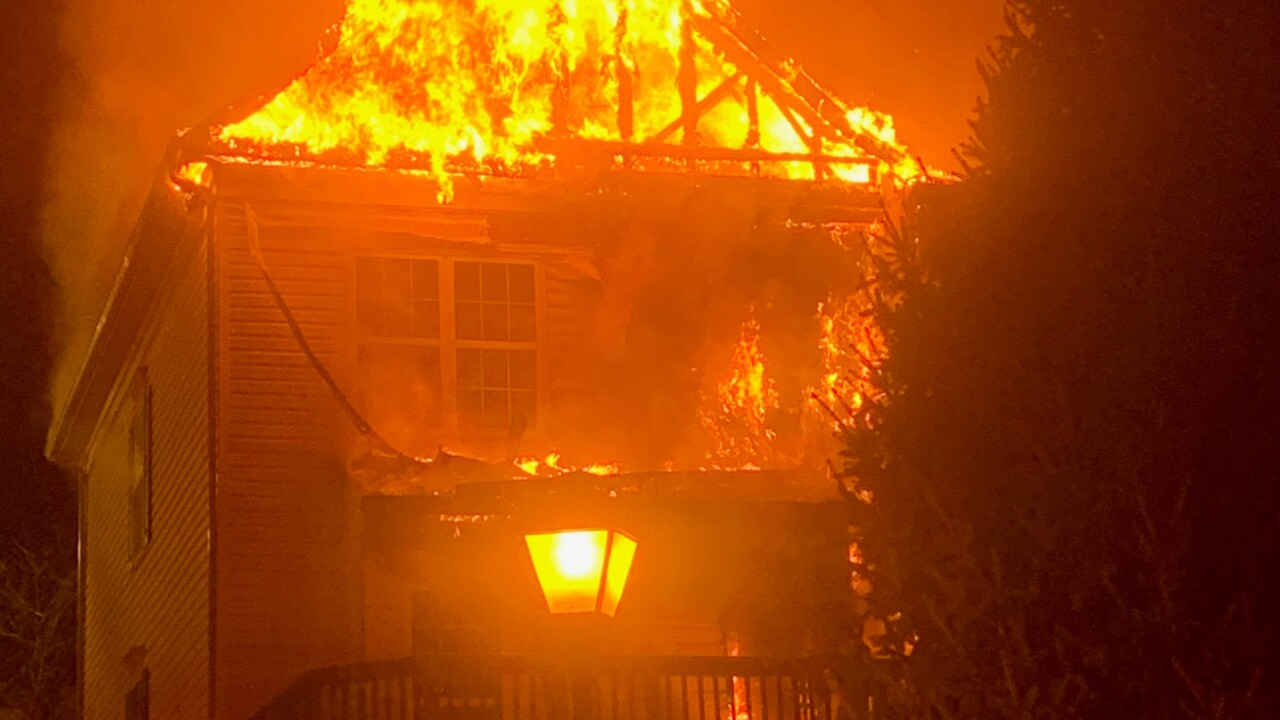 Frederick Townhouse flames (002).jpg