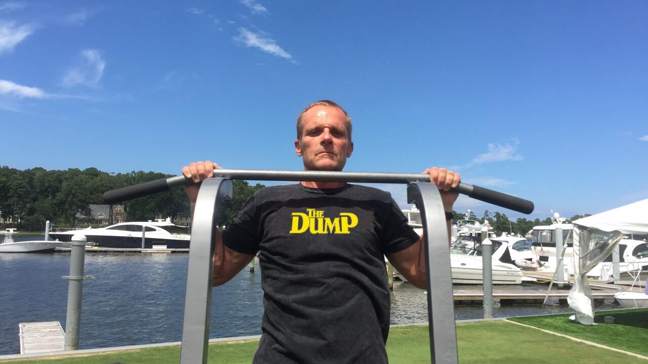 Virginia Navy veteran breaks pull-up worldrecord