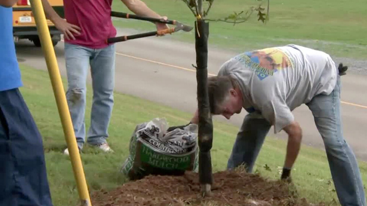 Volunteers Make A Difference At Metro Schools