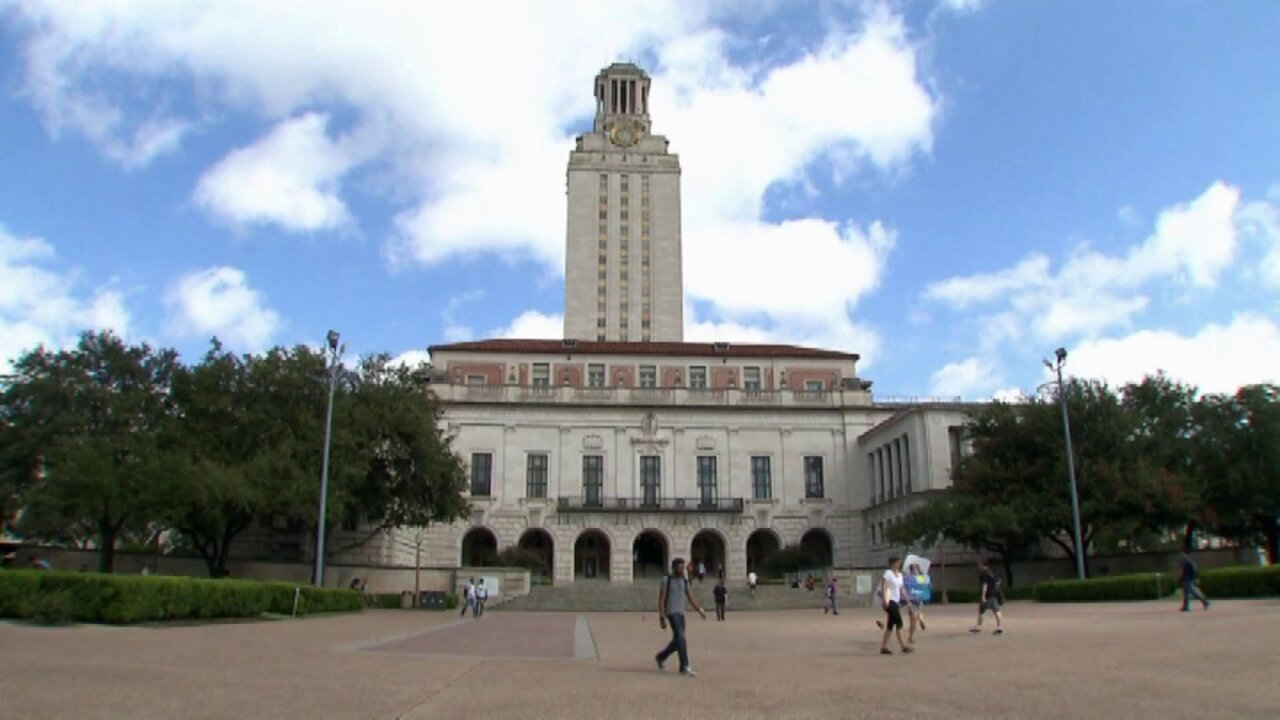 University of Texas to allow students to carry hand guns on campus