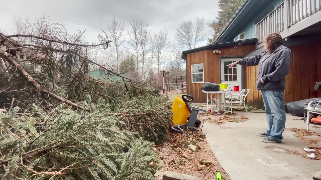 Hurricane-force wind gusts rip across parts of Montana