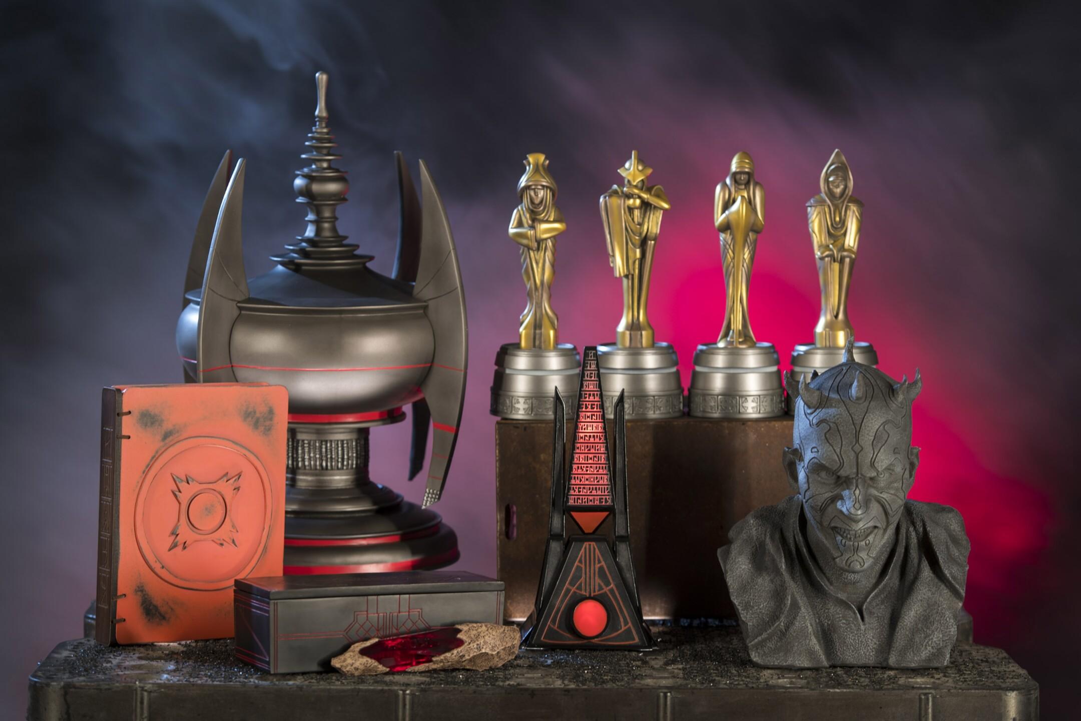 Star Wars: Galaxy's Edge Merchandise - Relics