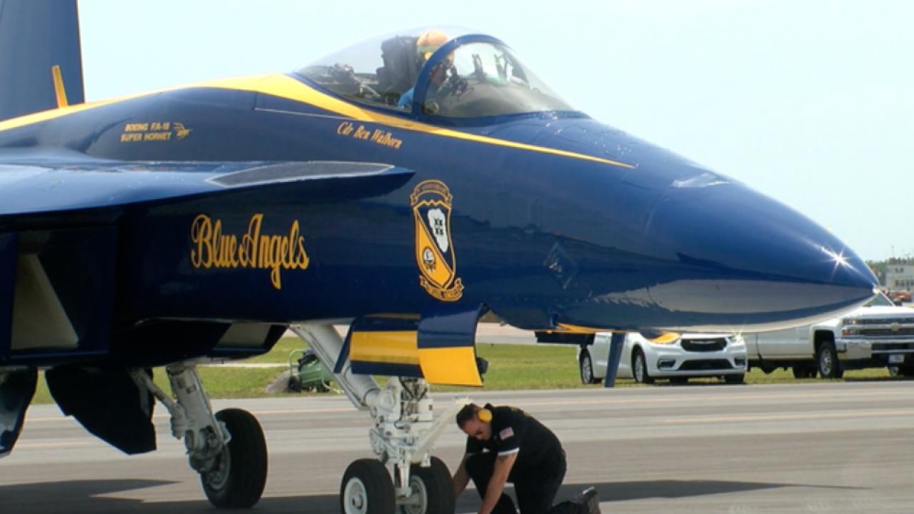Blue Angels Super Hornet