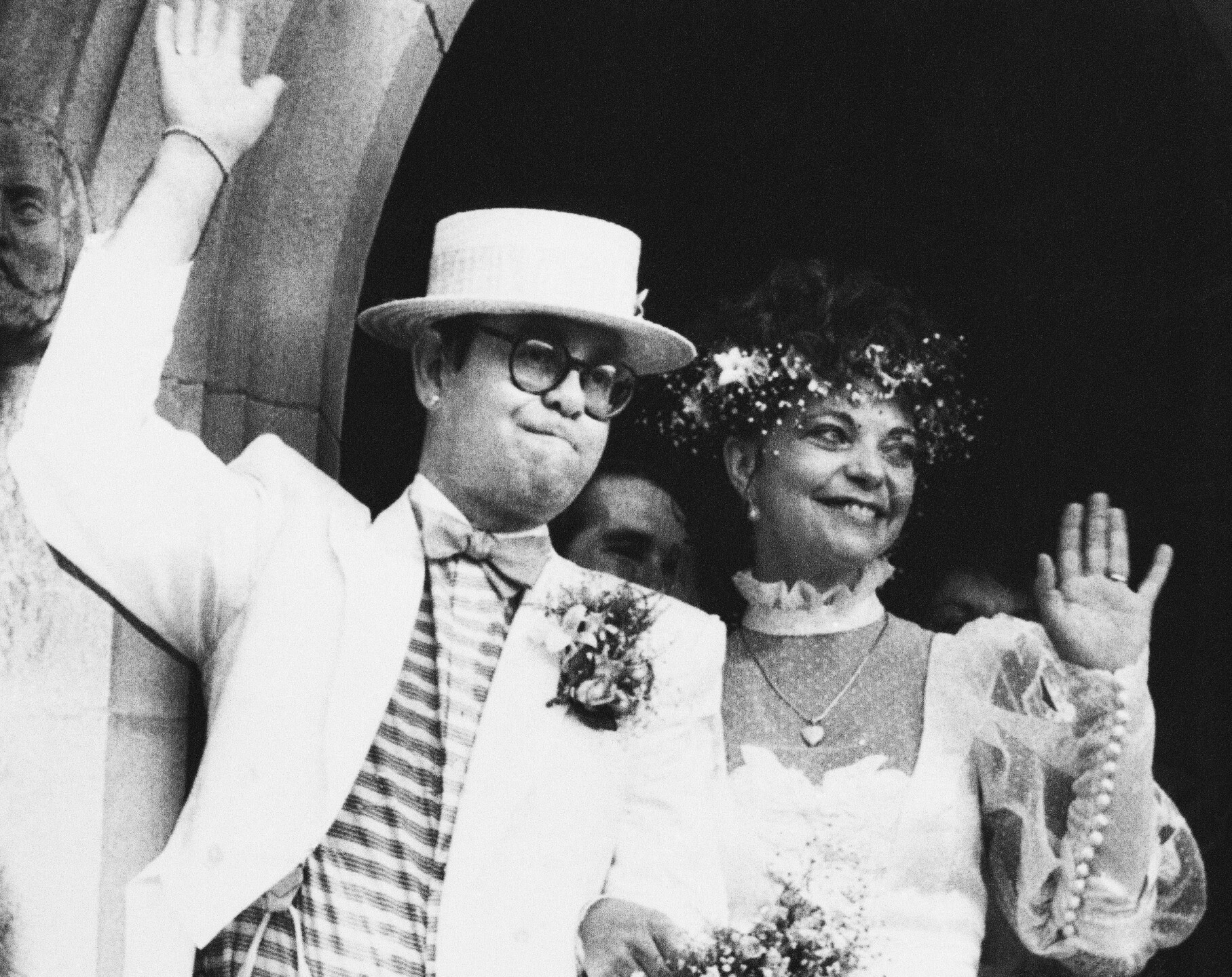 Watchf Associated Press International News   Australia APHS57174 ELTON JOHN WEDS