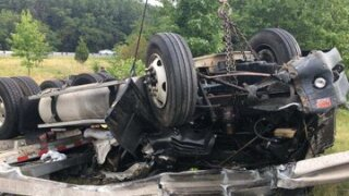 I-95 overturned tractor 3.jpg