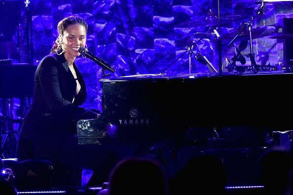 Photos: Alicia Keys will return as host of 2020 GrammyAwards