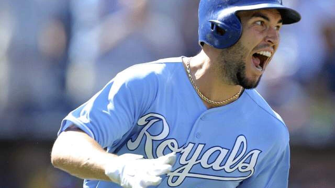 Royals' Eric Hosmer wins 2017 Heart and Hustle Award
