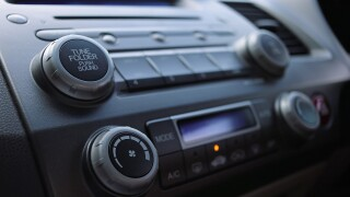 Car radio Pixabay