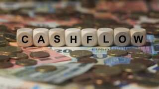 6 Advantages to Maximizing Cash Flow for Your Business