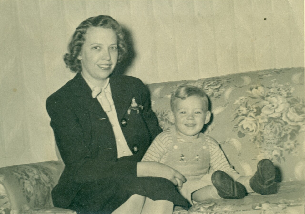 Thelma_Grein_with_toddler_Roger.jpg
