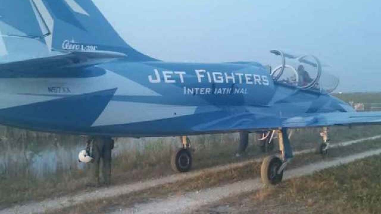 Jet makes emergency landing in the Everglades