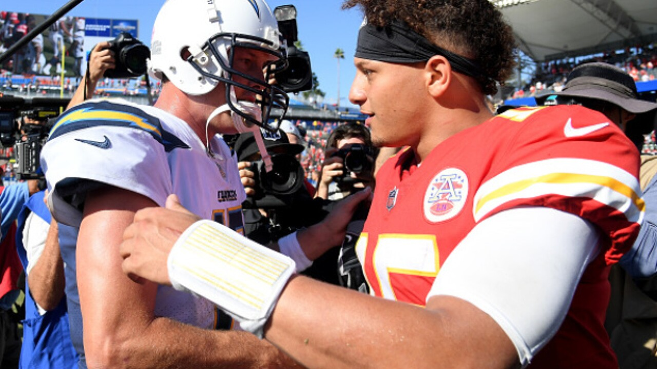 Mahomes and Hill spectacular in season opener: Chiefs win 38-28