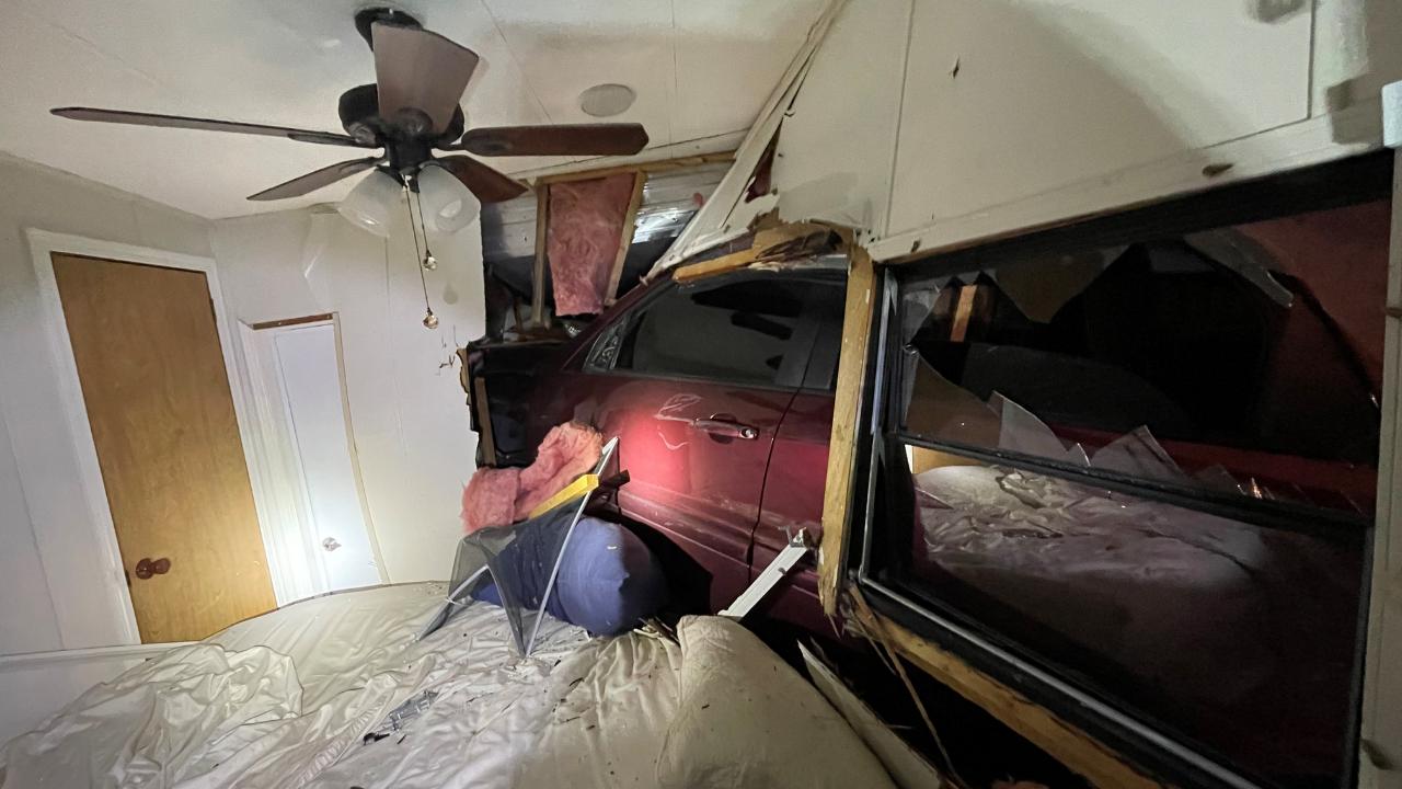 SUV trailer crash Riverview FHP.png