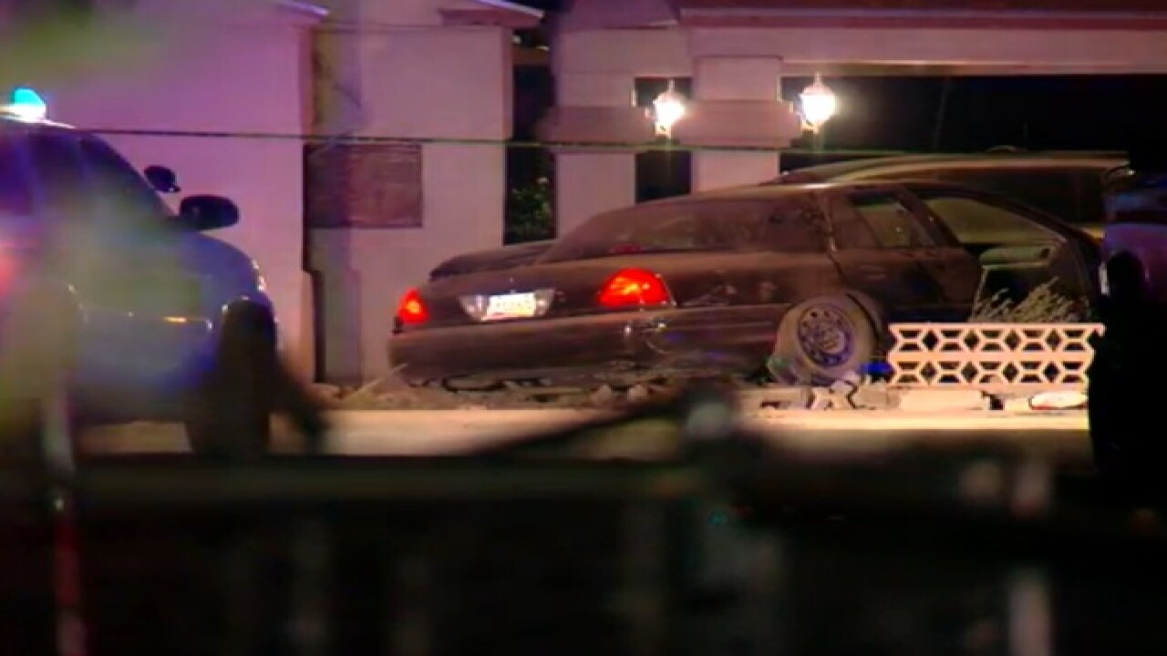 PD: 2 bodies found with wrecked car at PHX home