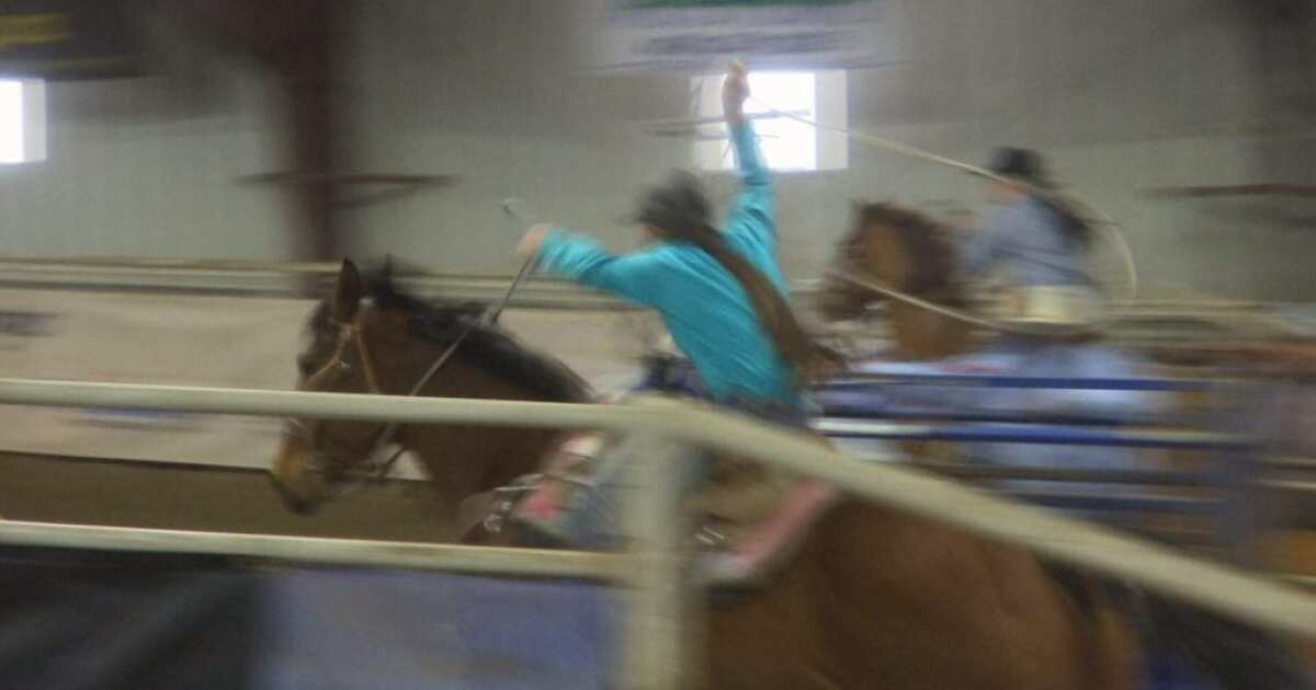Team ropers help family in memorial competition