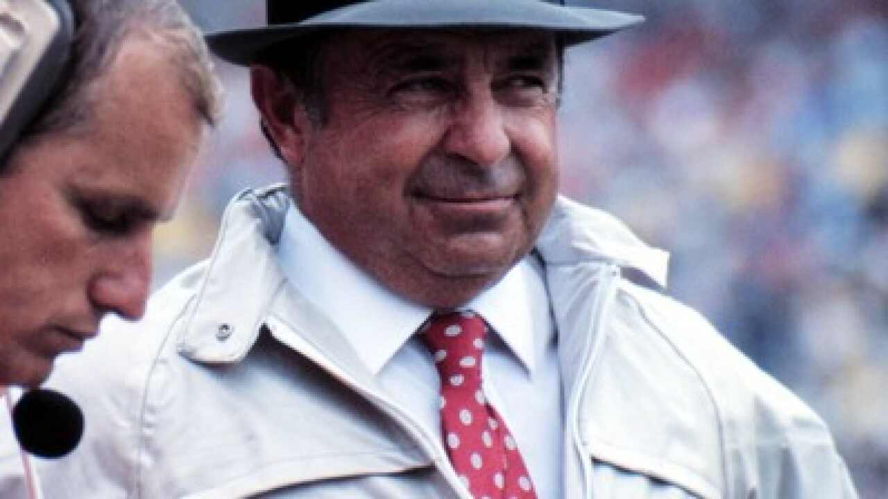 Former OSU football coach Earle Bruce dies
