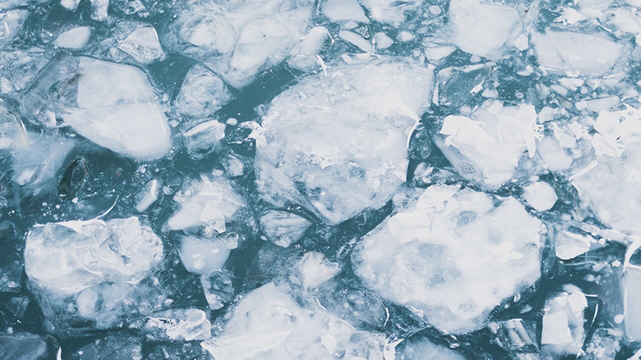 Crews rescue dozens of ice fishermen near Ohio state park