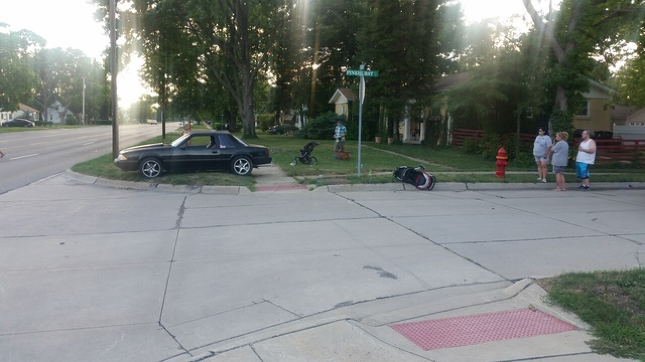 Mother and child hit by car in Roseville
