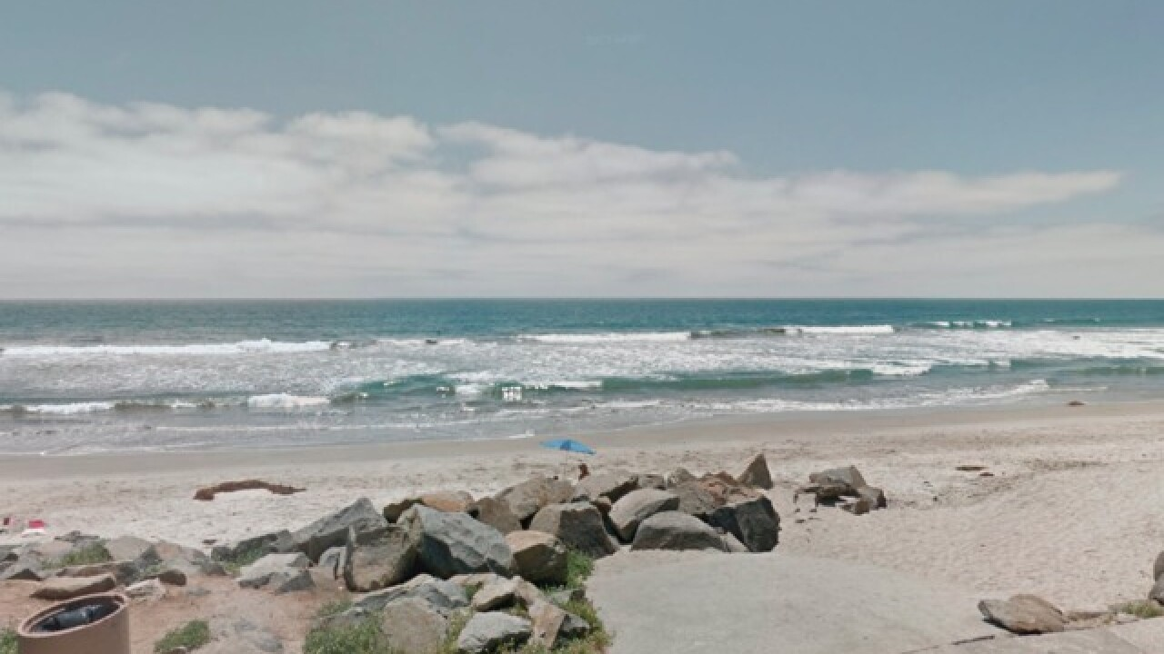 Shark sighting forces Oceanside shore closure