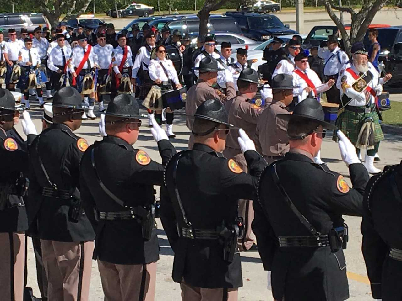 Hinton procession arrival 4.jpg