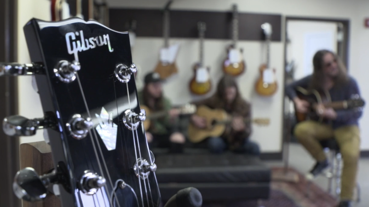 Gibson donates guitars to musicians who lost instruments in tornadoes