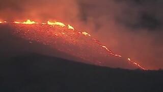 Hill Fire tears through Ventura County as it burns towards Pacific Ocean