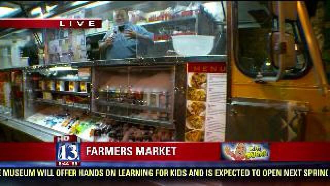 Food truck specialties at farmers market