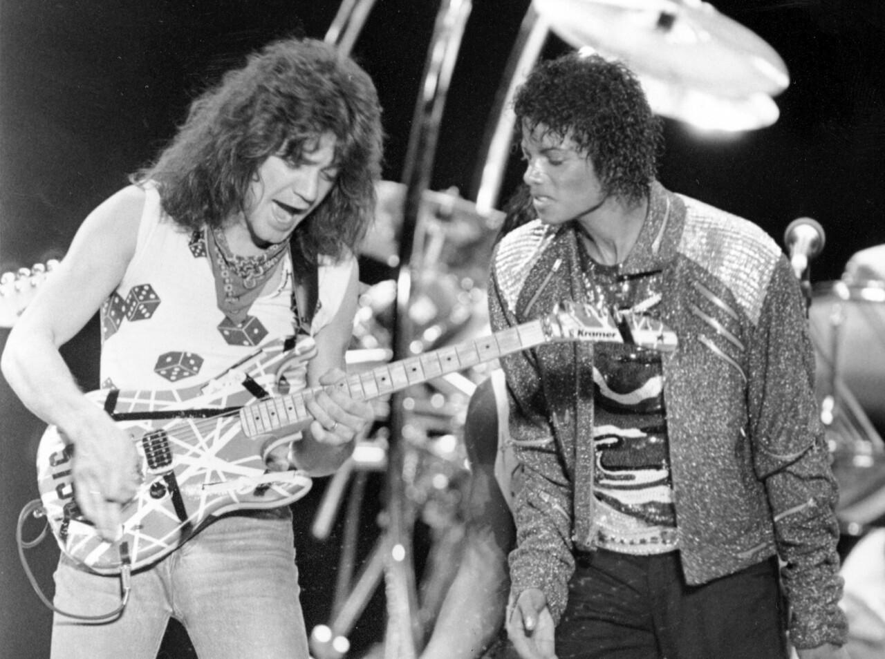 Eddie Van Halen performs with Michael Jackson in 1984