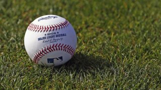 AP sources: MLB players cut to 89 games, want prorated money