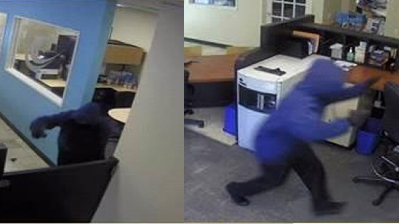 mira mesa bank robbery 11_27.jpg