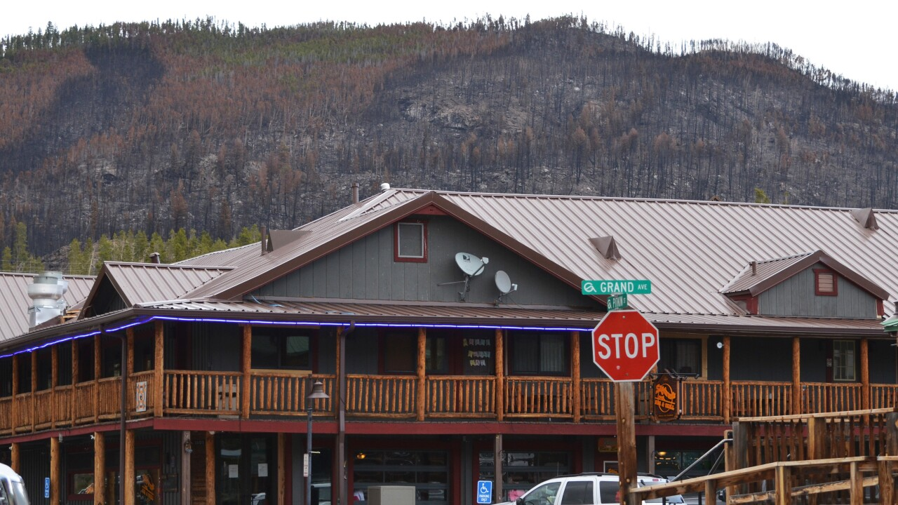 Grand Lake_town center with burned forest