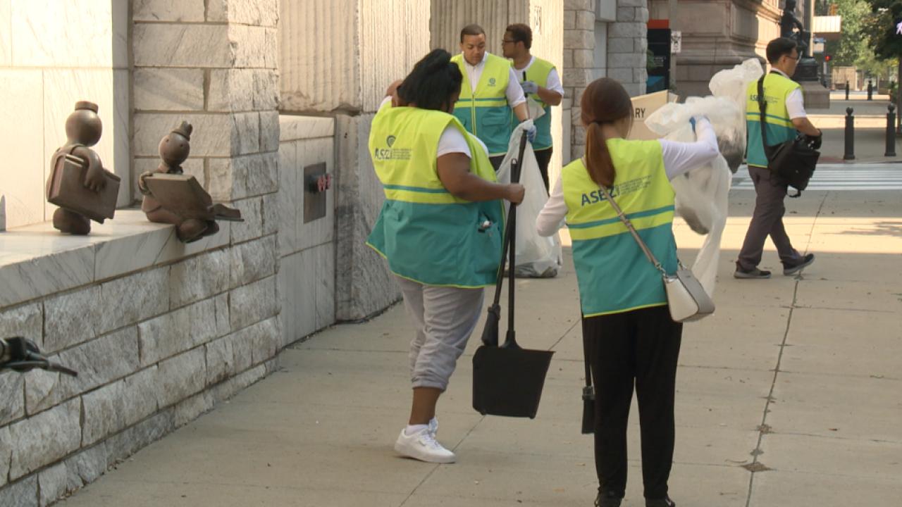 Cleveland Public Square clean up