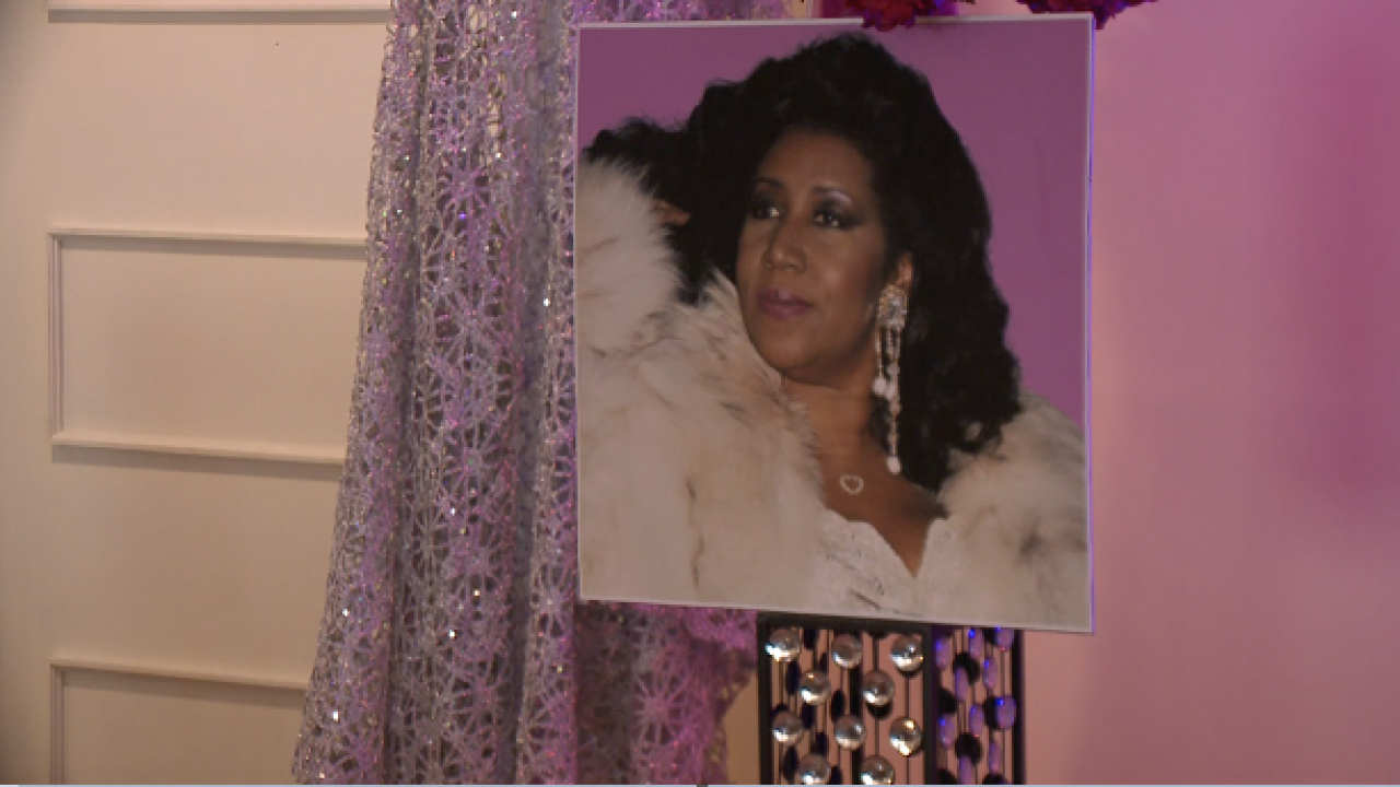 Local funeral home holds Aretha Franklin memorial book signing