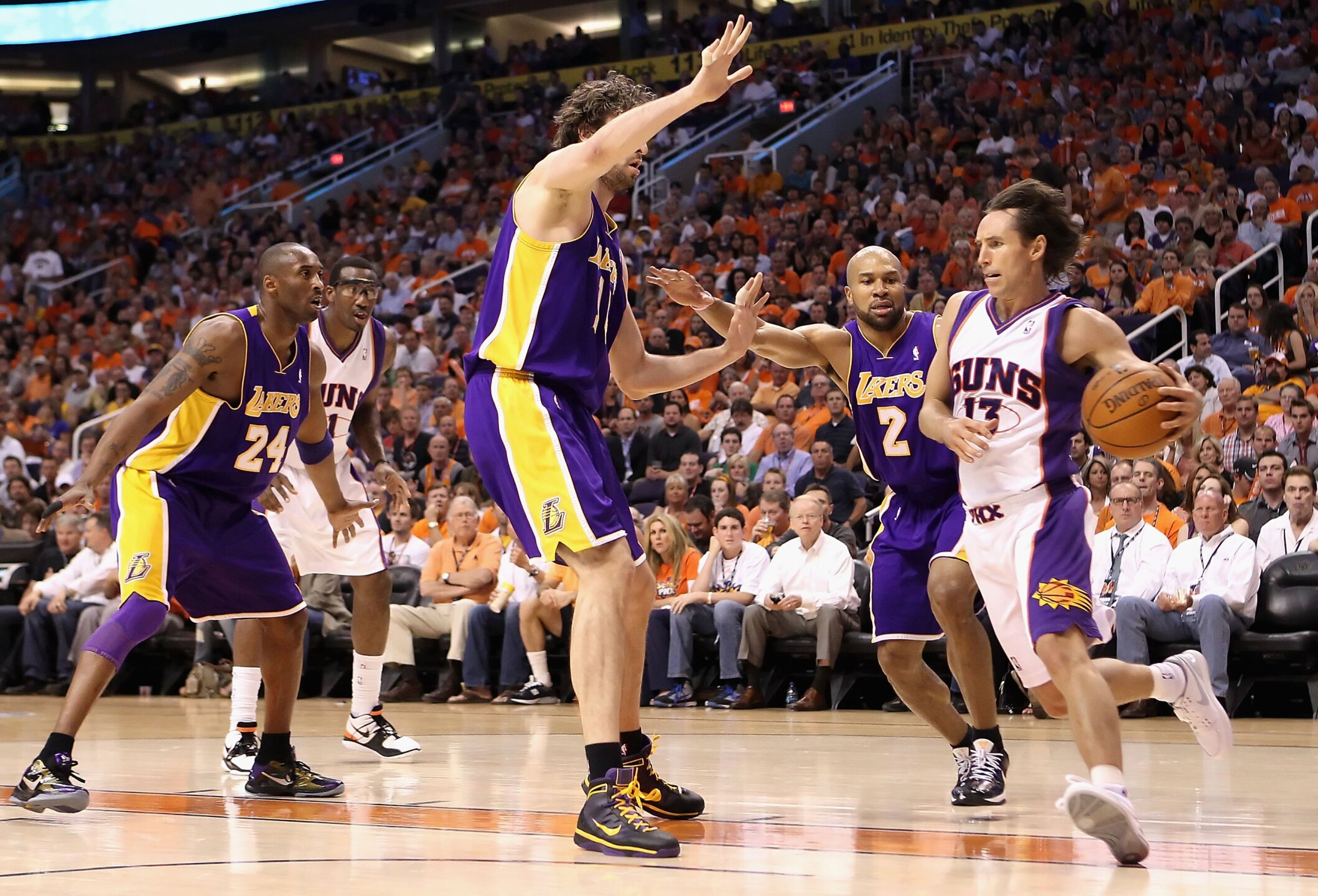 Los Angeles Lakers v Phoenix Suns, Game 4